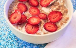strawberry-shortcake-oatmeal-